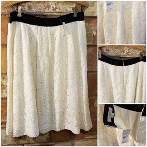 Ivory Lace Skirt by the LOFT -sz 10 NWT